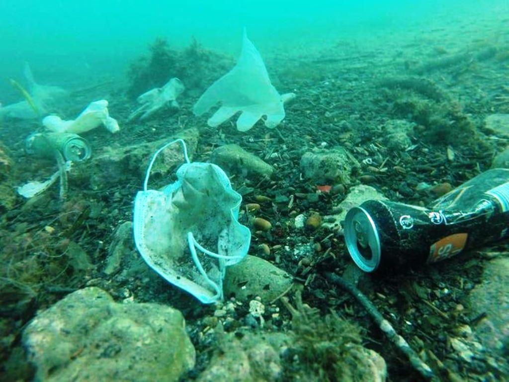 Sampah di lautan menjadi isu serius, dan menjadi penyebab kerusakan biota laut