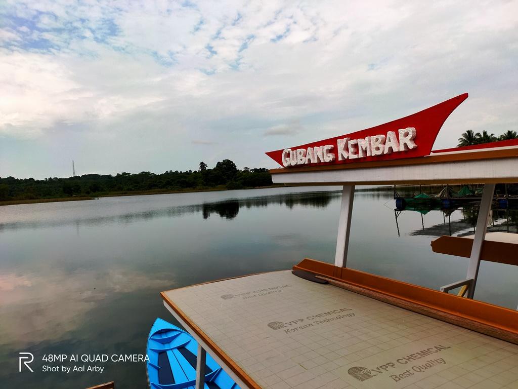 Sampan yang bisa digunakan mengitari danau taman Gubang Kukar I Dokumentasi pribad