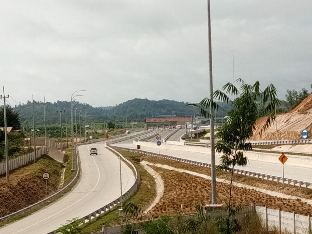 Hasil pembangunan Kaltim, terbukanya infrastruktur jalan tol pertama di Kalimantan, menghatarkan dua kota Balikpapan-Samarinda I Dokuemntasi Pribadi